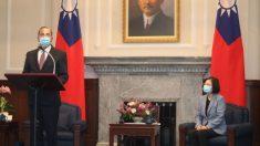 El secretario de Salud Azar expresa el fuerte apoyo de EE.UU. a Taiwán en una reunión histórica