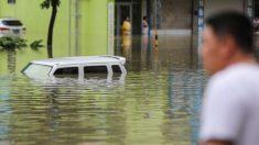 Fuertes lluvias golpean de nuevo el río Yangtze, invaden ciudades y dejan a mucha gente sin hogar