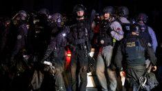 Senadores republicanos proponen ley para considerar el ataque a fuerzas del orden como delito federal