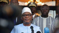 El presidente de Mali anuncia su dimisión tras golpe de Estado
