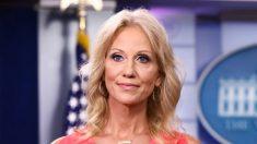 """La salida de Kellyanne Conway es un """"gran golpe para nosotros"""", dice oficial de la Casa Blanca"""