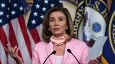"""Pelosi dice que los demócratas """"no cederán"""" sobre acuerdo de ayuda por la pandemia"""