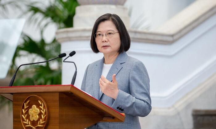 La presidente de Taiwán, Tsai Ing-wen, habla sobre las exportaciones estadounidenses de carne de res y cerdo a Taiwán en el edificio de oficinas presidenciales, en Taipei, Taiwán, el 28 de agosto de 2020. (Cortesía de la Oficina del Presidente, República de China - Taiwán).