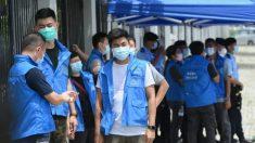 Tras el arresto de Jimmy Lai, 100 policías de Hong Kong allanan sala de redacción de su periódico