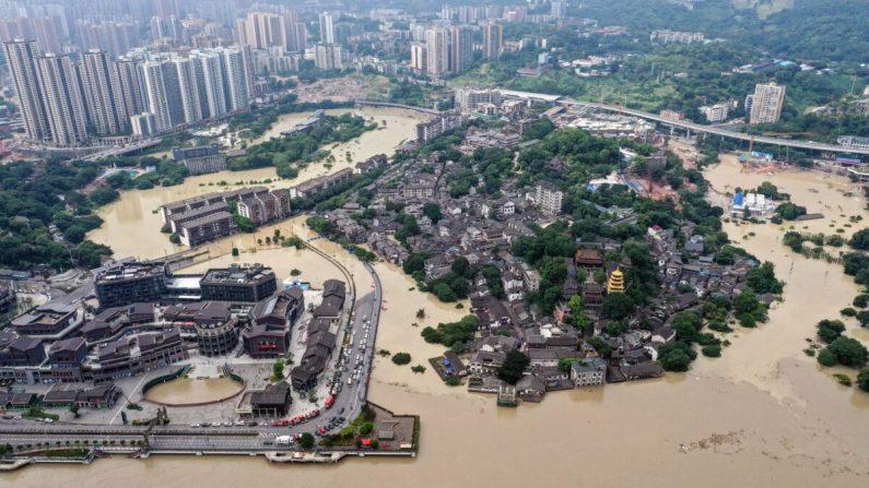 Una vista aérea del área inundada al suroeste de Chongqing de China el 19 de agosto de 2020. (STR/AFP a través de Getty Images)