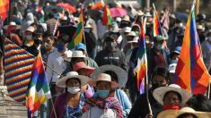 Añez llama a diálogo nacional en Bolivia por elecciones para frenar protestas