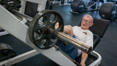 """""""Más que salud física"""": El gimnasio ayuda a combatir el aislamiento a los 91 años de edad"""