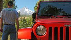 Donante anónimo y taller de automóviles se unen para obsequiar un jeep 4×4 a un veterano del ejército
