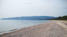Muere niño de 12 años de Michigan al intentar salvar a su hermana menor de ahogarse en el Lago Superior