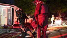 Alborotadores se enfrentan a la policía en Portland, lanzando trozos de concreto a los oficiales