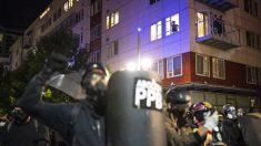 """Alcalde de Portland culpa de violencia a un grupo pequeño, dice que la ciudad no es una """"oscura distopía"""""""