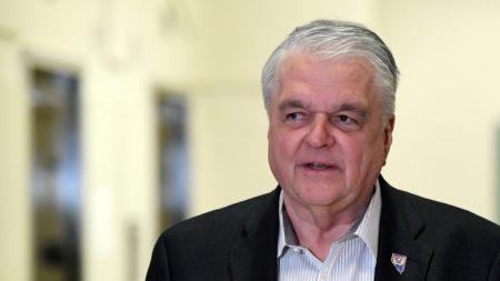 Nevada planea reabrir completamente a inicios de junio, dice gobernador