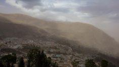 Continúan explosiones en volcán ecuatoriano cuya ceniza afectó 6 provincias