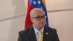 La oposición venezolana insta a la Fuerza Armada a retirar su apoyo a Maduro