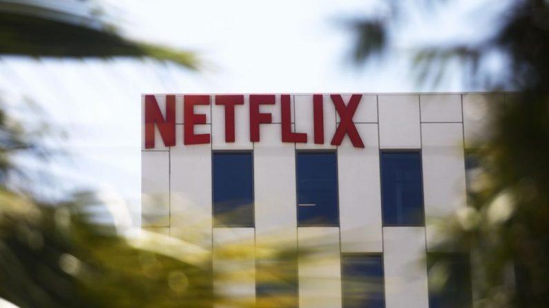 El logo de Netflix se exhibe en las oficinas de Netflix en Sunset Boulevard el 29 de mayo de 2019 en Los Ángeles, California. (Mario Tama/Getty Images)