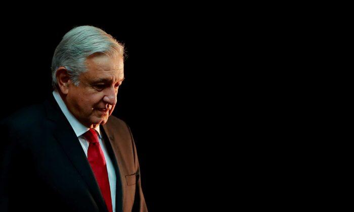 Andrés Manuel López Obrador, presidente de México, en el Palacio Nacional el 17 de octubre de 2019 en la Ciudad de México, México. (Foto de Hector Vivas/Getty Images)