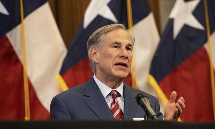 Gobernador de Texas descarta otro cierre ante el aumento de casos