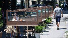 Restaurantes de Nueva York reabren tímidamente al 25 % de su capacidad