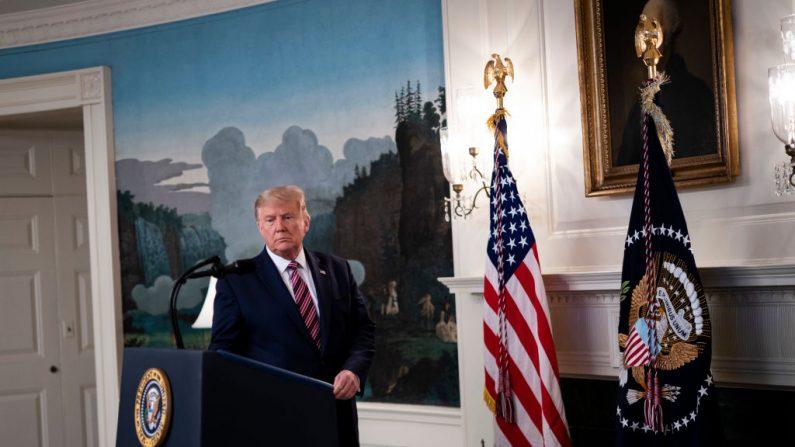 El presidente Donald Trump llega para revelar su lista de potenciales nominados a la Suprema Corte en la Sala de Recepción Diplomática de la Casa Blanca el 9 de septiembre de 2020 en Washington, DC. (Doug Mills-Pool/Getty Images)