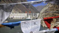 """El régimen chino """"militariza"""" los ríos del Tíbet y corta el suministro de agua de Asia: experta"""