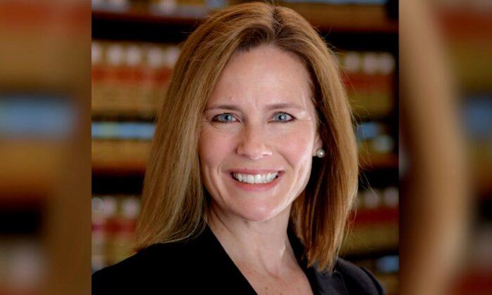 La Jueza Amy Coney Barrett en una foto de archivo. (Cortesía de la Universidad de Notre Dame)