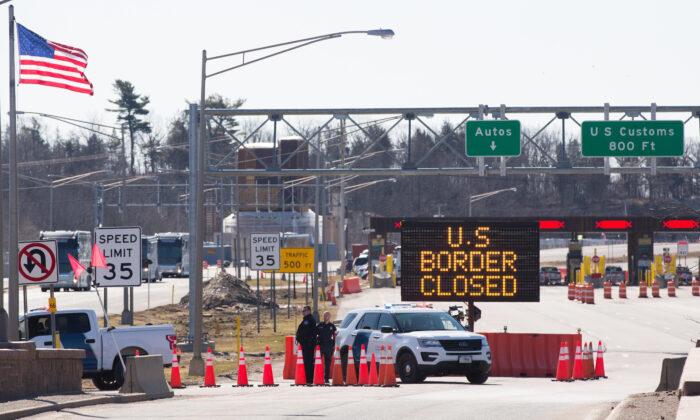 EE.UU., México y Canadá mantendrán cerradas sus fronteras al menos un mes más