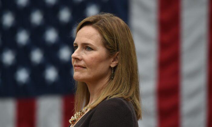 La jueza Amy Coney Barrett durante su nominación a la Corte Suprema, en Washington, el 26 de septiembre de 2020. (Olivier Douliery/AFP a través de Getty Images)