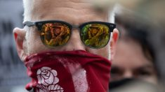 Miembros de Antifa vuelan por todo el país para participar en disturbios, dice Barr