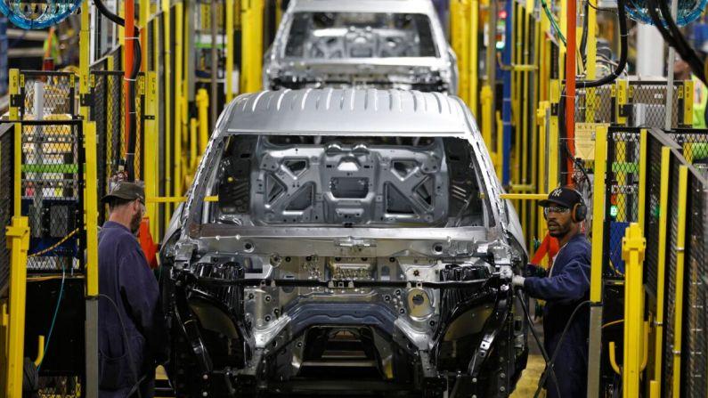 El incremento del suministro de chips mejora los resultados de GM y Ford