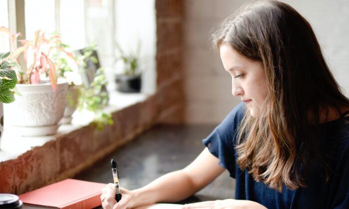 Para mejorar la escritura, la práctica es la clave. (Hannah Olinger/Unsplash)