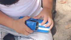 Niño pone en venta sus juguetes favoritos para comprar una tablet y poder conectarse a clases