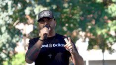 El líder de Patriot Prayer, Joey Gibson, demanda al fiscal de distrito del condado de Multnomah