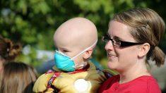 Niño de 5 años toca la campana de la vida tras una larga y dura batalla contra el cáncer