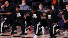 Jugadores de la NBA se arrodillan durante el himno nacional en el aniversario de los ataques del 11 de septiembre