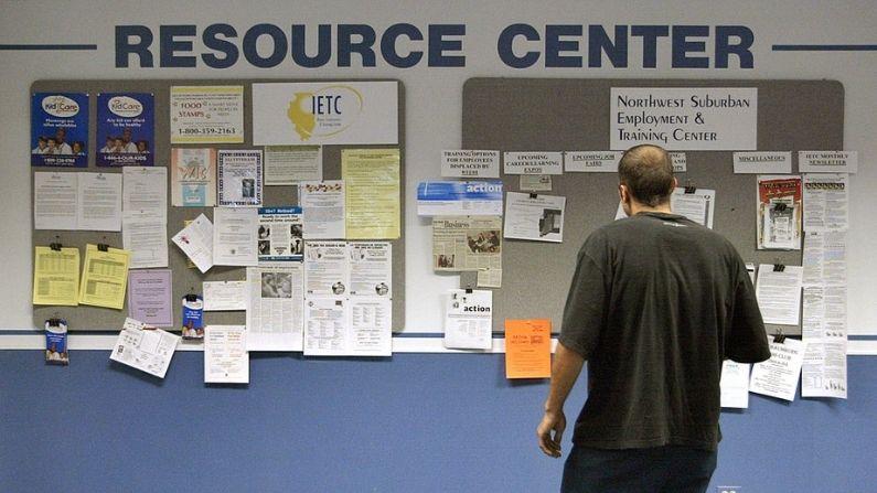 Suben a 351,000 las solicitudes de subsidios por desempleo en EE.UU.