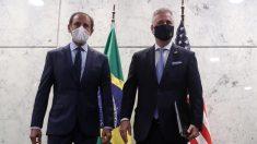 EE.UU. y Brasil estrechan sus lazos con la firma de acuerdos de inversión