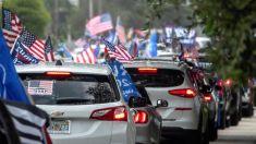 Cerca de 30,000 carros se unen a caravana anticomunista organizada por hispanos en Miami