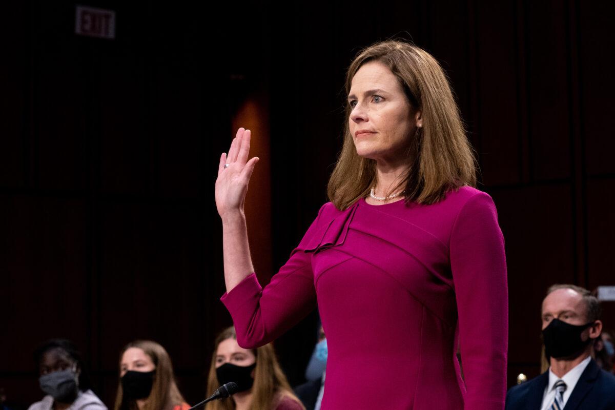 Murkowski votará para confirmar a la jueza Barrett a la Corte Suprema