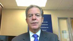 """""""No se puede prosperar como país cuando se restringe la fe"""": Embajador Brownback en foro de Colombia"""