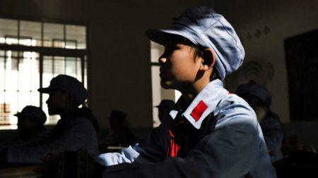 Policía china soborna y lava cerebros a los escolares para que les informen sobre padres y vecinos