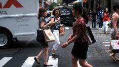 Caen las contrataciones navideñas ante boom de empleos en comercio electrónico