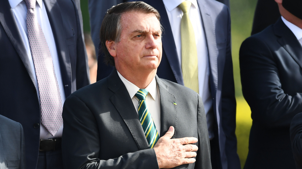"""Bolsonaro asegura que va a """"erradicar al comunismo"""" de Brasil"""