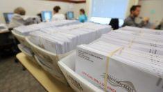 Casi 50,000 votantes obtuvieron boletas incorrectas de voto en ausencia en un condado de Ohio