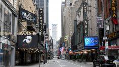 Los teatros de Broadway seguirán cerrados al menos hasta el 30 de mayo