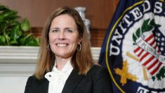"""Colegio de Abogados de EE.UU. considera que Amy Barrett está """"bien calificada"""" para la Corte Suprema"""