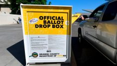 Investigan un incendio en un buzón electoral en Los Ángeles