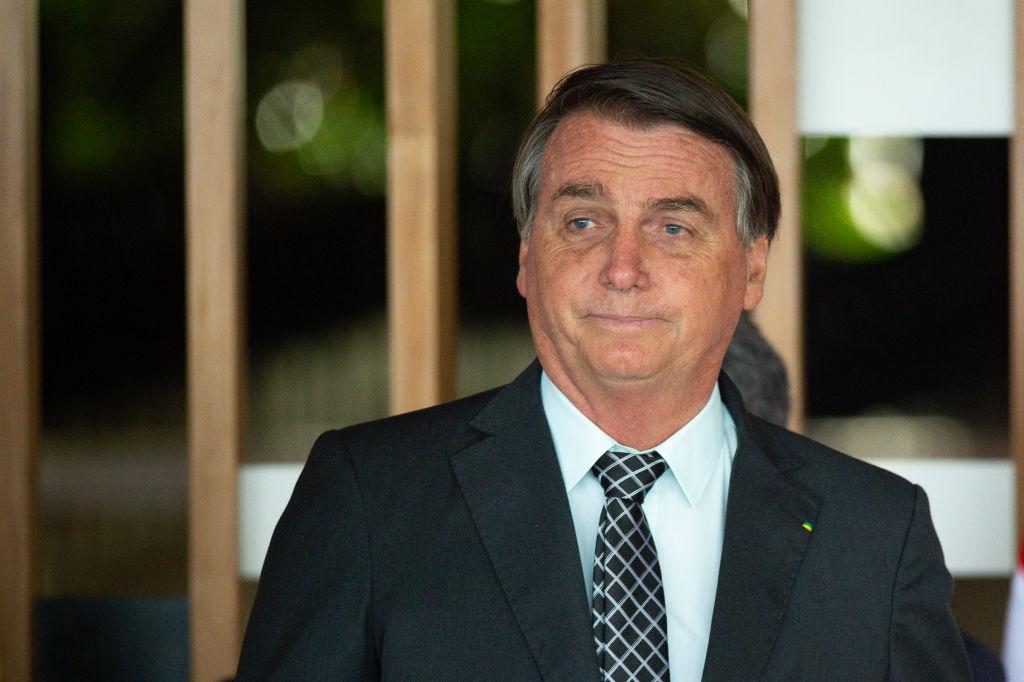 Bolsonaro insiste en no tomar vacuna contra covid-19 y pone en duda eficacia de la mascarilla