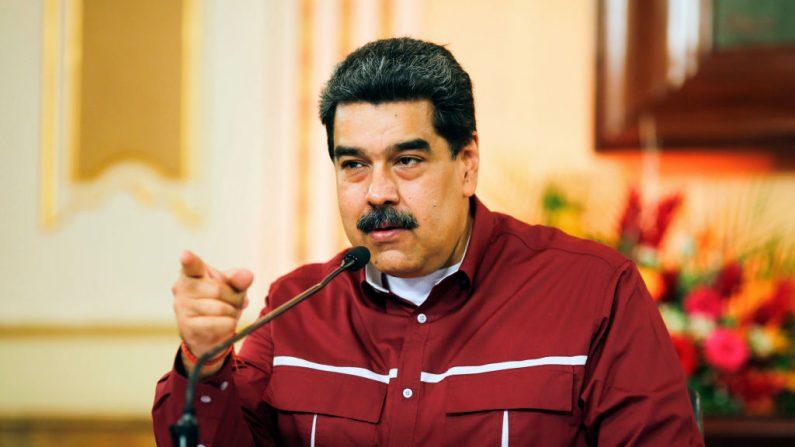 El líder de Venezuela, Nicolás Maduro, habla durante un anuncio televisivo, en el Palacio Presidencial de Miraflores en Caracas (Venezuela) el 20 de octubre de 2020. (Jhonn Zerpa/AFP vía Getty Images)