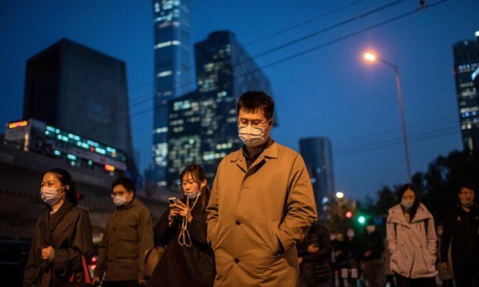 La ciudad de Xinjiang anuncia pruebas masivas de COVID-19 tras el último brote