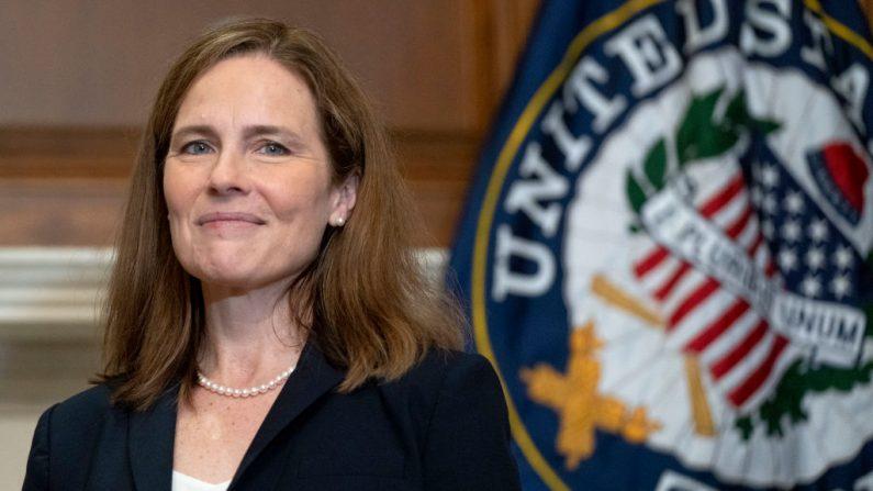 La jueza nominada a la Corte Suprema de Estados Unidos, Amy Coney Barrett, en el Capitolio el 21 de octubre de 2020 en Washington, DC. (Leigh Vogel-Pool / Getty Images)